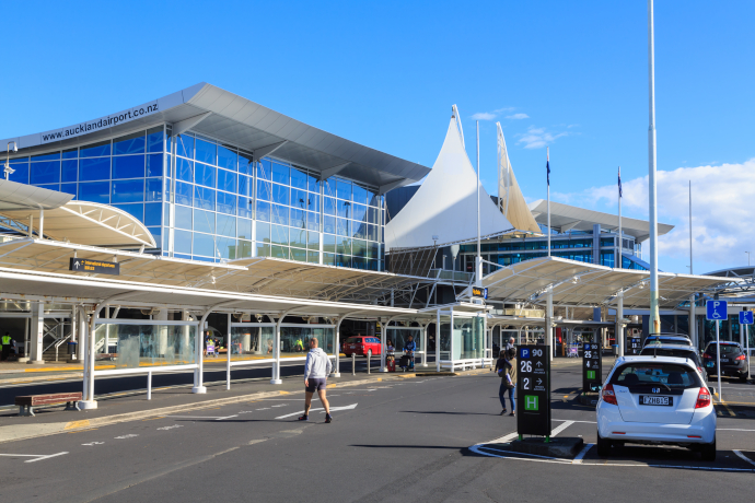 Auckland International Airport serves Auckland in New Zealand.